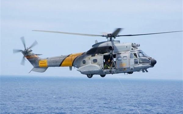 Imagen de archivo de un helicóptero del SAR igual al desaparecido esta tarde en el Atlántico. | DA