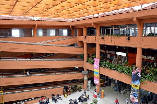 La entrada principal y la plaza superior del Mercado Municipal se contemplan en la nueva ordenanza. / M.P.P.