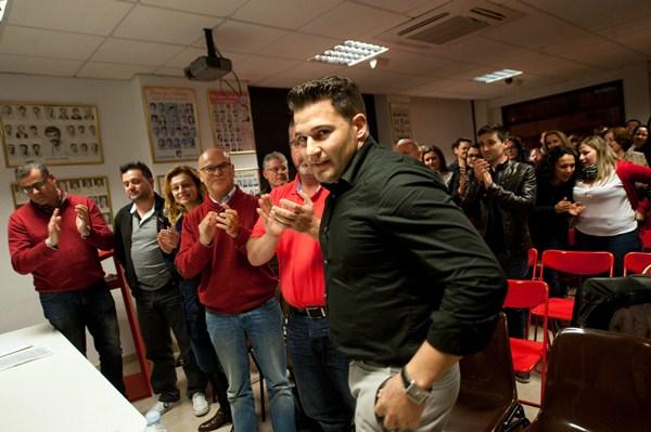 Airám Puerta se convirtió anoche en el candidato socialista a la Alcaldía de Güímar. / FRAN PALLERO