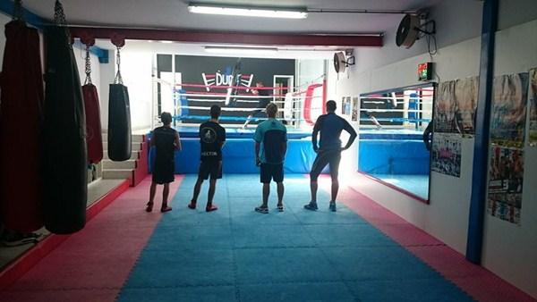 De espaldas al boxeo