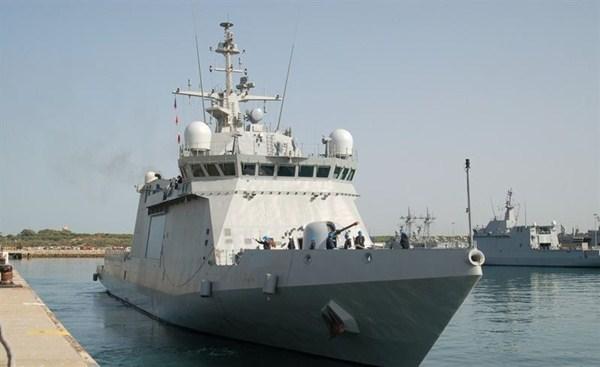 El buque Relámpago en el puerto de Santa Cruz. / MINISTERIO DE DEFENSA