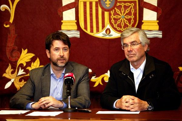 Carlos Alonso y Álvaro Dávila precisaron las actuaciones que se acometerán en la ciudad. / DA