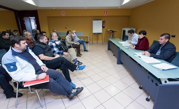 La consejera y los técnicos del Cabildo de Tenerife explicaron el procedimiento de tramitación de las subvenciones. | DA