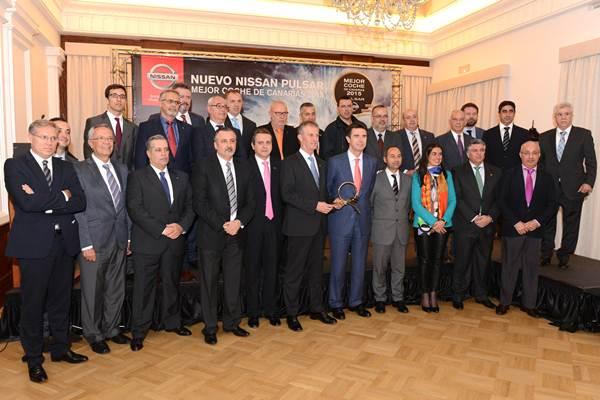 El ministro Soria, junto a los representantes de Nissan España y Canarias, y el jurado. | SERGIO MÉNDEZ