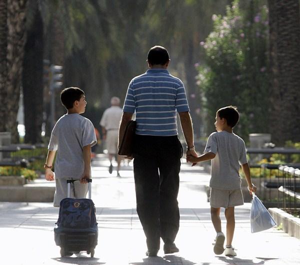 Los perfiles que se buscan son los vinculados al ámbito social y educativo con experiencia en menores. / DA