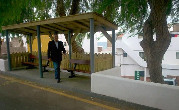 González Cejas visitó las obras que se realizan en Los Abrigos. / DA