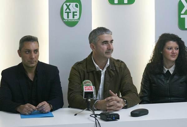 González, León y Díaz, ayer, en la presentación de Por Tacoronte. | DA