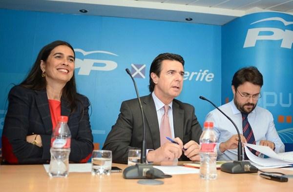 María del Carmen Hernández Bento, José Manuel Soria y Asier Antona. / SERGIO MÉNDEZ