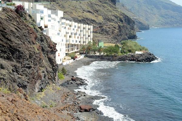 La playa Chica, en Las Gaviotas, es uno de los espacios que se incluye en el estudio para acondicionar el litoral. / DA