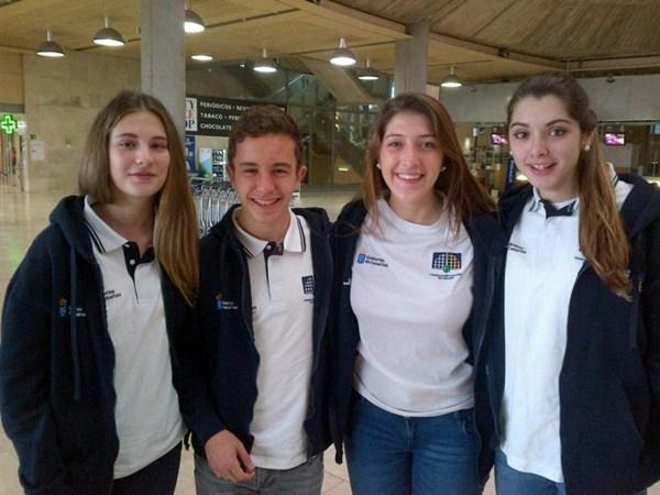 Sara González, Iván Pérez, Ksenia Pavlyuchenkova y la campeona María González. / DA