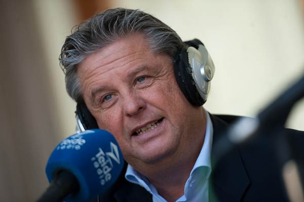 El fiscal de Menores, Manuel Campos pasó ayer por los micrófonos de Teide Radio. | FRAN PALLERO