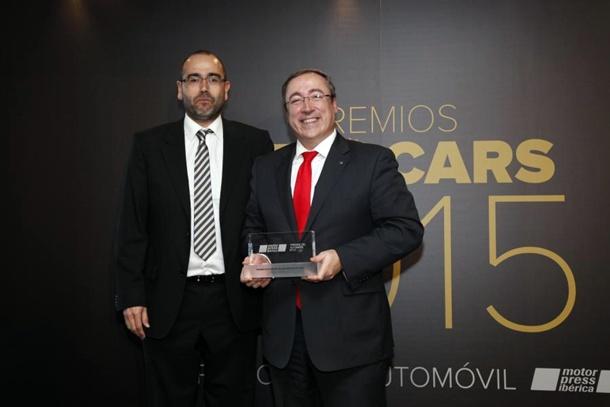 "Mikel Palomera SEAT León CUPRA premio ""Best Car 2015"" al Mejor Deportivo"