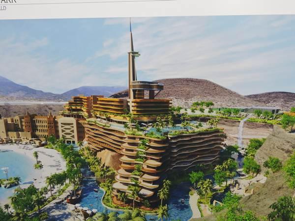 El hotel y la gran torre están integrados en el complejo que se hará en una antigua cantera de áridos. | NORCHI