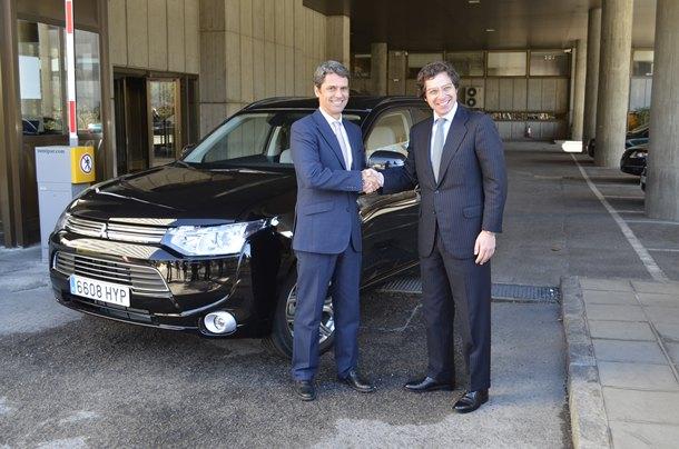 Mitsubishi Outlander PHEV al Ministerio de Industria 1