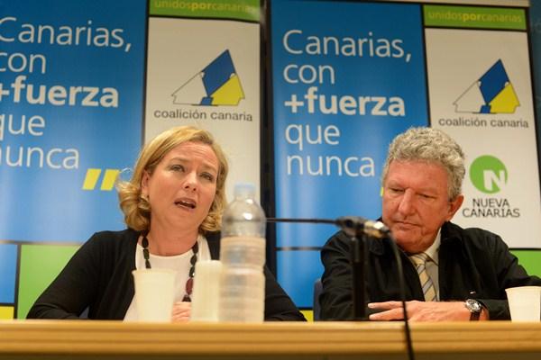Los diputados Ana Oramas (CC) y Pedro Quevedo (NC), en una imagen de archivo. / SERGIO MÉNDEZ