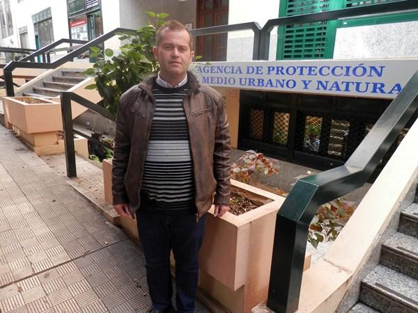 Emiliano Coello, director de la APMUN, junto a la sede del consorcio. / DA