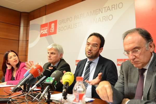 Patricia Hernández, José Miguel Pérez, Antonio Hernando y Manuel Fajardo. | SERGIO MÉNDEZ
