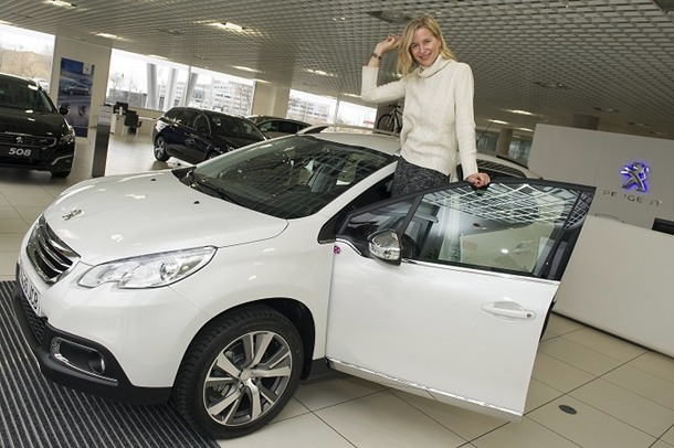 Peugeot 2008 María León