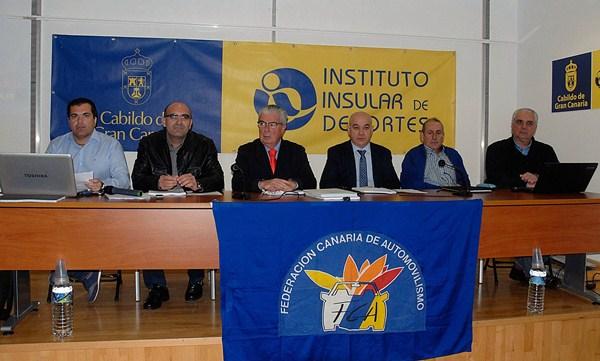Una imagen de la mesa presidencial de la Federación Autonómica. / DA