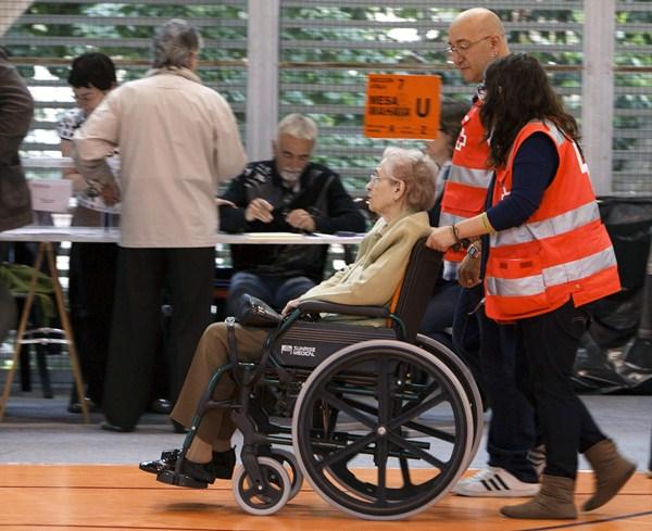 La accesibilidad de los colegios electorales es una de las prioridades del área que dirige Rodríguez. / DA