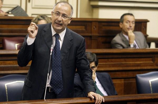 Francisco Hernández Spínola mostró su preocupación por este tema durante su comparecencia. / DA