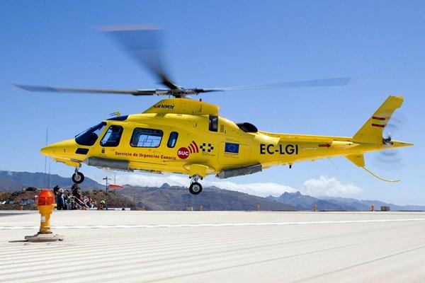 Los helicópteros del Servicio de Urgencias Canario operan las 24 horas del día los 365 días del año. / DA