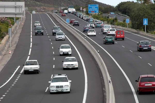 Algunos sectores de la autopista sureña soportan una media de casi 100.000 vehículos diarios. | DA