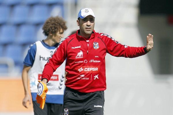 Agné estuvo muy activo en su primera sesión al frente del equipo. / S. M.