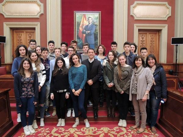 150211 Recibimiento alumnos de intercambio Italia.JPG