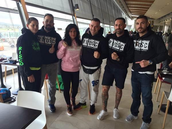 Los miembros de la expedición tinerfeña, antes de tomar el avión rumbo a Madrid. | DA