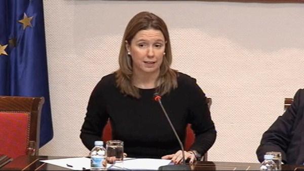 María José Bravo de Laguna Propuesto por el PP: Presentadora en Antena 3 y ahora diseña moda -  Periodista. Fue jefa de informativos de Canal 28 y  presentadora en Antena 3 TV. Trabajó en el gabinete de prensa de cargos públicos del PP. Ahora diseña y comercializa prendas de vestir.