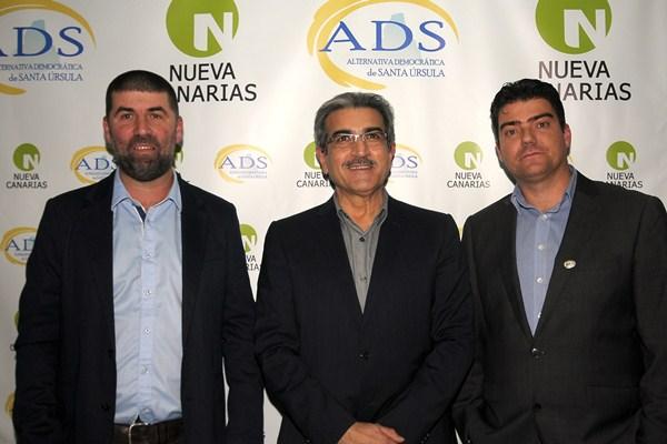Afonso, Rodríguez y Correa, en el acto del viernes en la sede de ADS. / DA