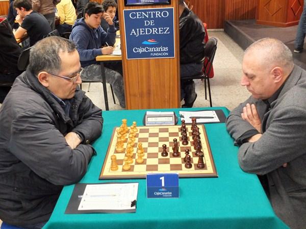 Villavicencio (i) y López Pereyra, al inicio de la penúltima ronda. / j. l. f.