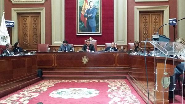 Instantánea de un pleno anterior del Ayuntamiento de Santa Cruz de Tenerife, que ayer celebró el penúltimo del mandato. / S. M.