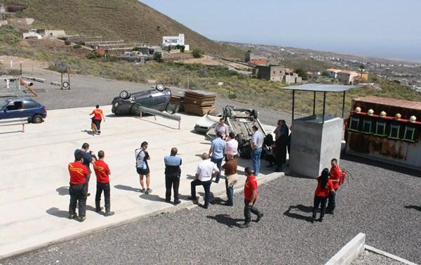 El cuerpo de bomberos voluntarios cuenta con un nuevo parque de entrenamiento polivalente. / DA