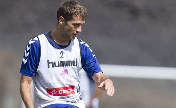 Aitor Sanz, centrocampista del Club Deportivo Tenerife. /  Santiago Ferrero