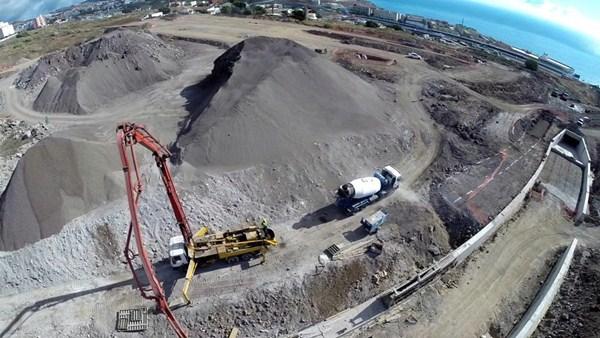 Vista aérea de la parcela que albergará esta infraestructura, cuyos trabajos comenzaron en enero de 2014. / DA