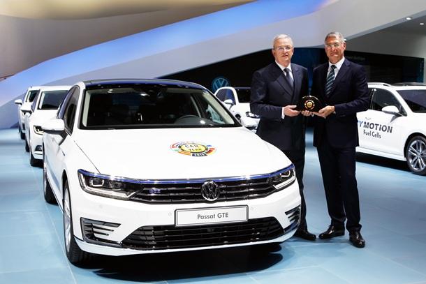 """El nuevo Volkswagen Passat es el """"Car of the Year 2015"""""""