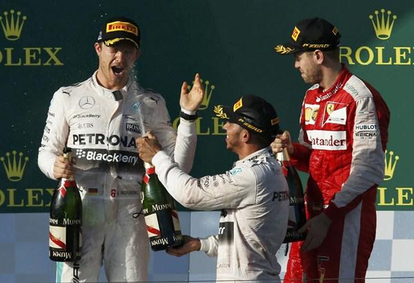 El joven Carlos Sainz, hijo del mítico bicampeón mundial de rallys, ha cuajado una brillante actuación con una meritoria novena posición en su estreno tras la disputa del Gran Premio de Australia de Fórmula 1. / REUTERS