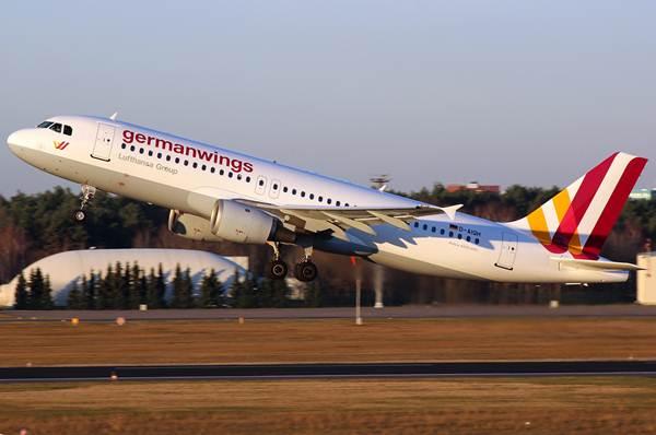 Un A320 de Germanwings, el mismo tipo de avión que se ha siniestrado. | Kevin K.