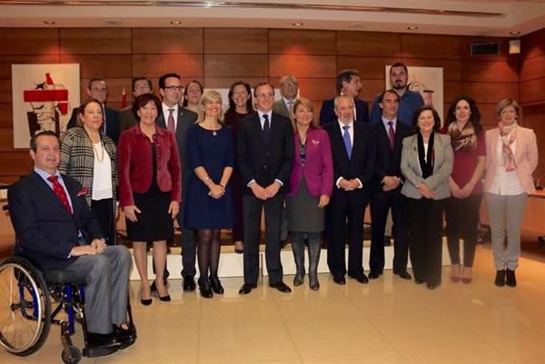 Alfonso Alonso e Inés Rojas después del Consejo Territorial de Servicios Sociales y del Sistema para la Autonomía y Atención de la Dependencia. | EP
