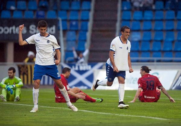 Los tinerfeños atraviesan un buen momento en la Liga y suman seis jornadas sin perder. / FRAN PALLERO