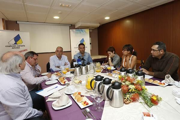 Méndez y García, durante la rueda de prensa. | DANIEL CETRULO