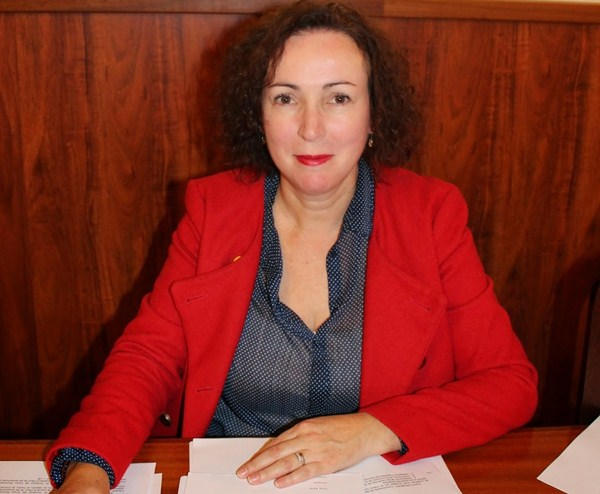 María del Cristo Luis es la primera cabeza de lista del PSOE de Icod; el PP portuense presentó el sábado a Lope Afonso, el mismo día que PyP eligió a su secretario, Pedro Rodríguez. / DA