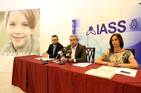 Pérez, Abreu y Arocha presentaron ayer el balance del IASS. | DA
