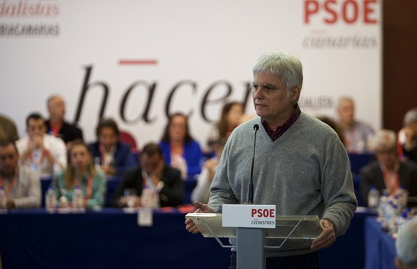 José Miguel Pérez, ayer, ante el Comité Regional de los socialistas, celebrado en Las Palmas. / DA