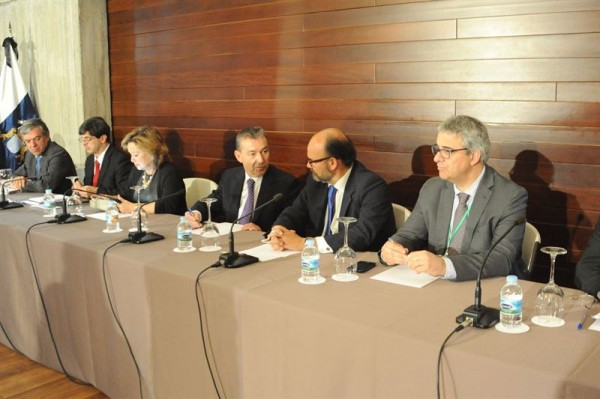 Paulino Rivero en la 'I Cumbre Internacional de Energías Renovables'. | EP