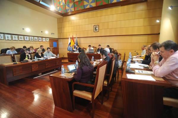Pleno de un Ayuntamiento con concejales no adscritos. / F. P.