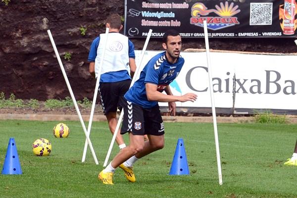 """El centrocampista tinerfeño está """"con muchas ganas"""" de regresar a los terrenos de juego. / SERGIO MÉNDEZ"""