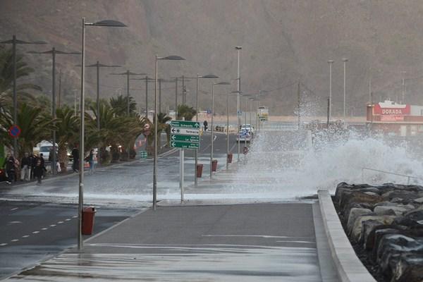 La obra pretende acabar con las inundaciones en el barrio costero. / S.M.